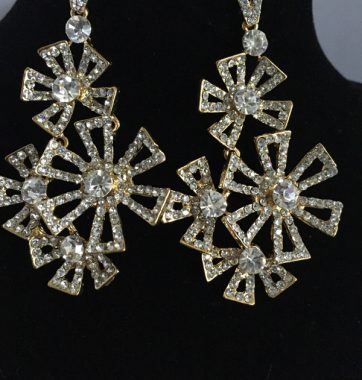 J0198 Star Diamonte Earrings