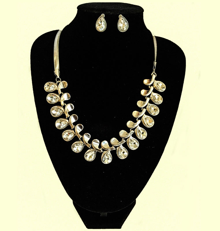 J0172 Teardrop Set Necklace